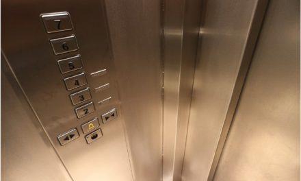 Cum se împart cheltuielile pentru interfon și ascensor?